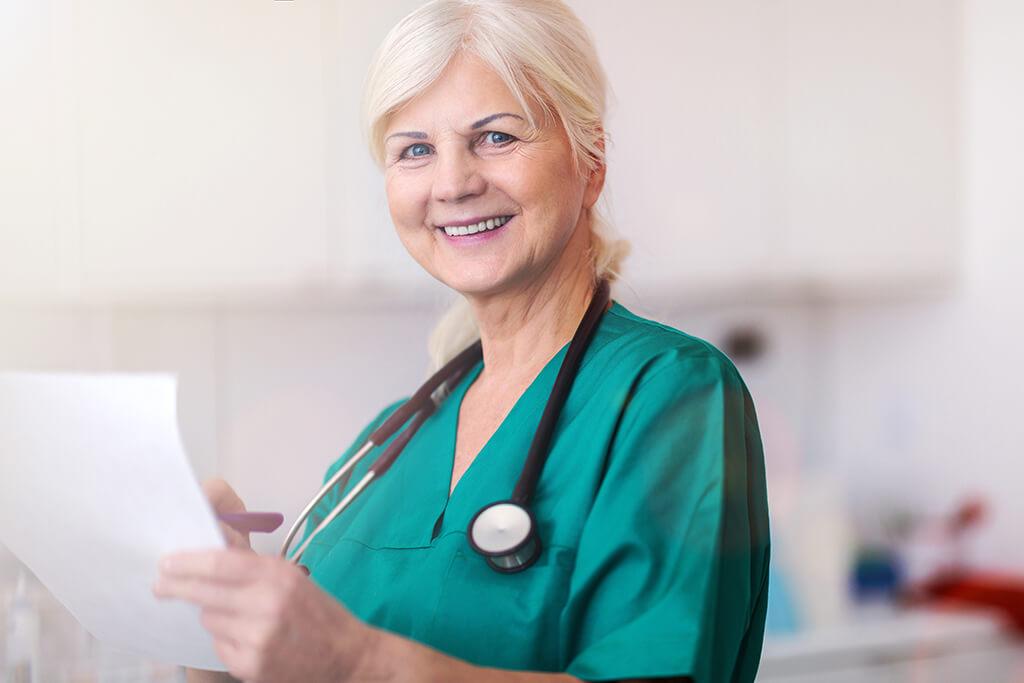 Pflegedienstleitung (m/w/d) | Quelle: pikselstock - Adobe Stock